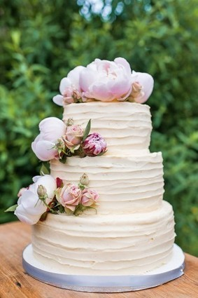 24 Spectacular Buttercream Wedding Cakes   Page 2 of 5   Wedding Forward   Event Accessories: Ideas, Designs, ETC.   Scoop.it