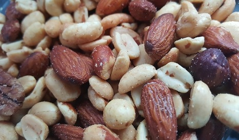 A Greater Emphasis On Nuts To Replace Animal Proteins Reduces Inflammation | zestful living | Scoop.it