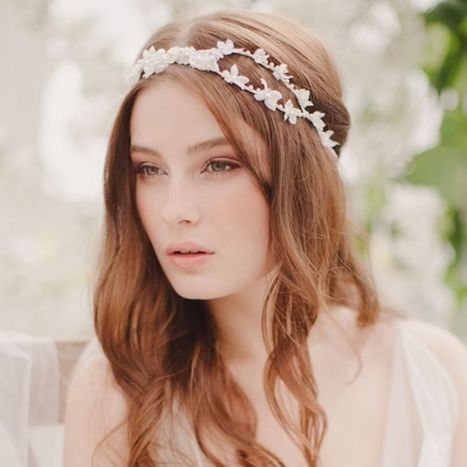 5 Floral Hair Accessories That Look Fairytale-Stunning for a Spring Wedding - Glamour (blog) | Events | Scoop.it
