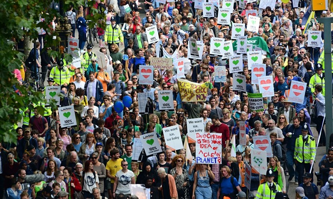 Many thousands on climate march, but class-struggle voices needed - Workers' Liberty | real utopias | Scoop.it