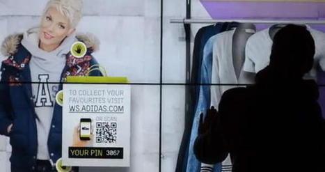 Les vitrines interactives se transforment en cabine d'essayage et en sites e-commerce | E-Business & E-Commerce News | Scoop.it