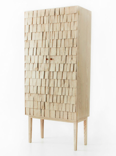 Sebastian Cox propose à Benchmark du bois de taillis pour des meubles avec façades en clin | inoow design lab | Scoop.it