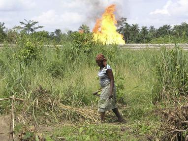 Comment les contrats de Shell entretiennent les conflits armés - Nigeria - Basta ! | Les Amis de la Terre | Scoop.it