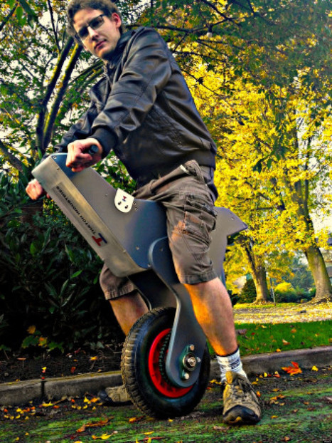 Home-Made Self-Balancing Unicycle Might Be The Best Commuter Vehicle Ever | Amateur and Citizen Science | Scoop.it