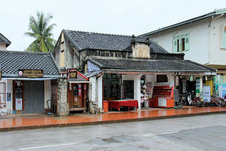 Walking the old quarter in Luang Prabang, Laos   Travel News   Scoop.it
