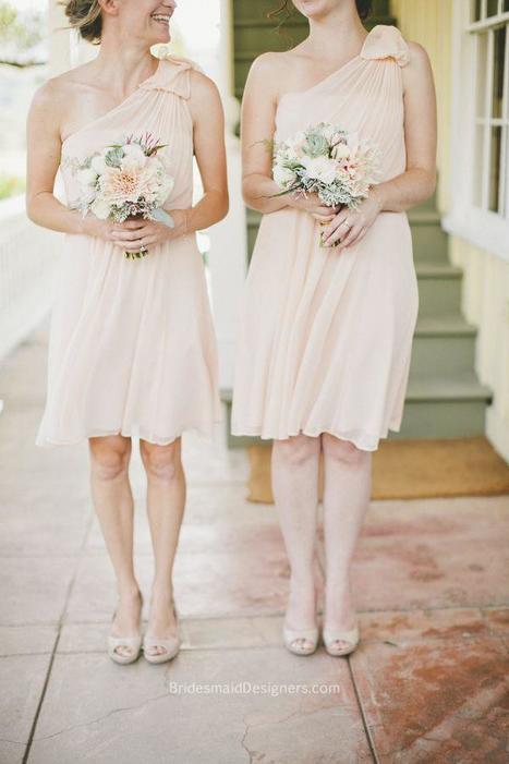 Peach Bridesmaid Dresses - BridesmaidDesigners | Discount Bridesmaid Dresses | Scoop.it