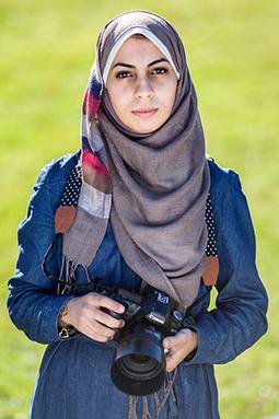 Primeira fotojornalista a cobrir a Faixa de Gaza relata os desafios da profissão   Gender Equality   Scoop.it
