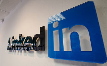 LinkedIn Launching Social News Product for Professionals | Brand & Content Curation | Scoop.it