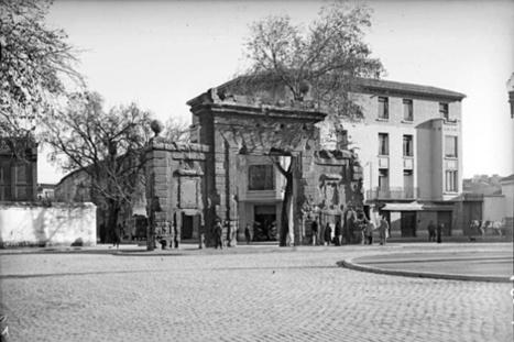 Zaragoza antigua. La Puerta del Carmen, a principios del siglo XX.   Curious World   Scoop.it