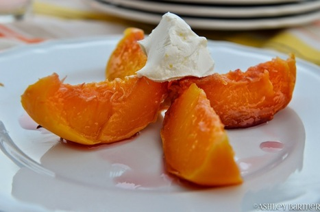 Poached Peaches in White Wine & Rosemary | Le Marche and Food | Scoop.it