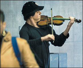 An amazing experiment by Joshua Bell | Violins | Scoop.it