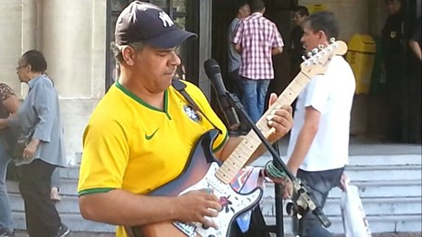Brazilian Street Artist Willian Lee Doing A Cover Of Sultans Of Swing By Dire Straits. He Totally Nails It! | HotHotter | Scoop.it