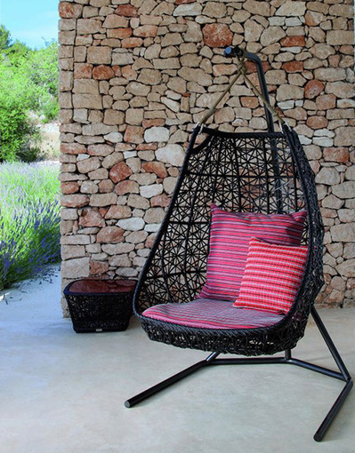 Hanging Swing Chair - patio rattan swing chair by Patricia Urquiola | Design products | Scoop.it