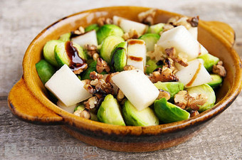Brussels Sprouts with Walnuts and Pears | Healthy Whole Foods | Scoop.it