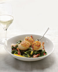 Seared Scallops with Bacon-Braised Chard Recipe | À Catanada na Cozinha Magazine | Scoop.it