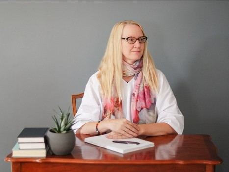 Edmonton author dives deep into purses and philosophy | Canadian literature | Scoop.it