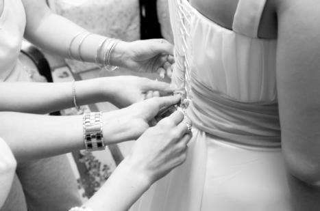 Conseils pour enfiler la robe de mariée | photographe portrait et mariage | Scoop.it