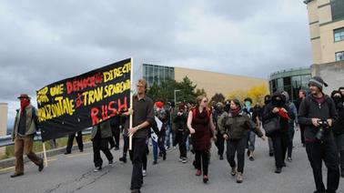 Manifestation houleuse d'une centaine d'étudiants | Mouvement. | Scoop.it