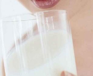 Risque plus élevé de lymphome lorsqu'on consomme trop de lait | Toxique, soyons vigilant ! | Scoop.it