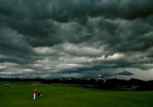 Daily News Sports Photos of the Day: Weather rules the day during third round ... - New York Daily News | Sports Photography | Scoop.it