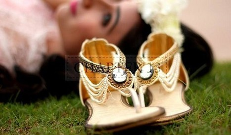 Chapter 13 Fancy Shoes & Clutches Collection 2013 For Women   smartinstep.com   Scoop.it