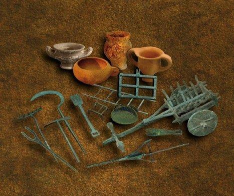 Badalona muestra juegos y juguetes de la antigüedad | LVDVS CHIRONIS 3.0 | Scoop.it