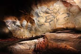 Chauvet-Pont d'Arc: 'Cave of forgotten dreams' paintings 10,000 years older than previously thought | L'ARTichaut | Scoop.it