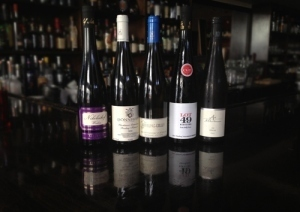 Let's Talk Riesling, Part I: A Lesson with Wine Director EricLarkee   Vitabella Wine Daily Gossip   Scoop.it