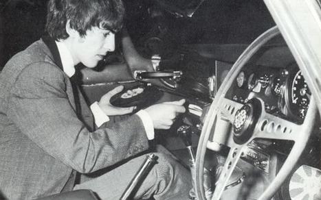 Amazing photos of a time when cars had vinyl record players – The ... | Amazing Rare Photographs | Scoop.it