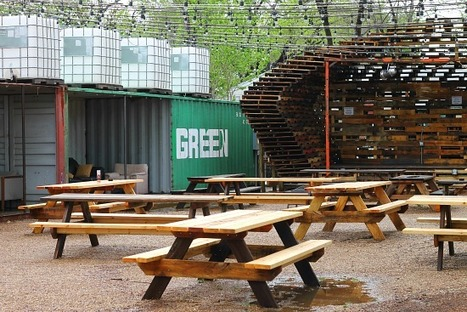 Patio Drunk: Ten Of Dallas' Best Patios - O.C. Snags Two | aCommunityAffair Oak Cliff | Scoop.it