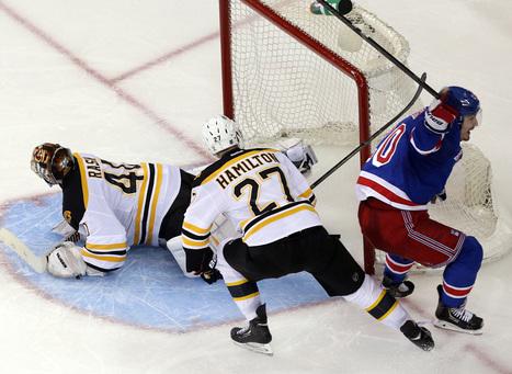 Bruins fall down on the job - Boston Globe | Zdeno Chara | Scoop.it
