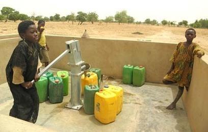 Accès à l'eau potable en milieu rural au Burkina : Acteurs du public et du privé se parlent à Ouaga pour renforcer les services - leFaso.net, l'actualité au Burkina Faso | accès libre aux résultats de recherche agronomique | Scoop.it