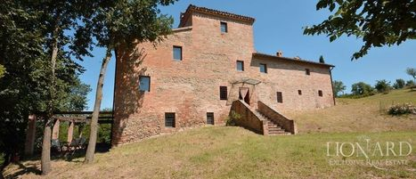 Best Le Marche properties for Sale: 15th Century Villa, Urbino | Le Marche Properties and Accommodation | Scoop.it