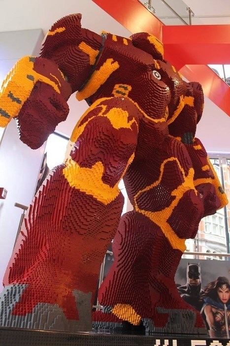 This Badass 8-Feet Tall Hulkbuster Is Built Entirely With LEGO Bricks | WTF Posts | Scoop.it