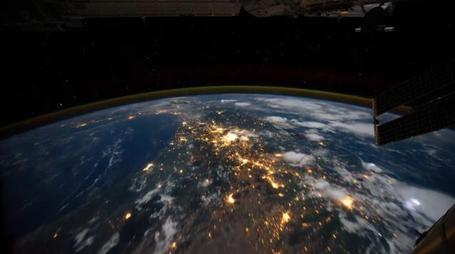 100tificas: Earth | Time Lapse View from Space, Fly Over | NASA, ISS | Vulbus Incognita Magazine | Scoop.it