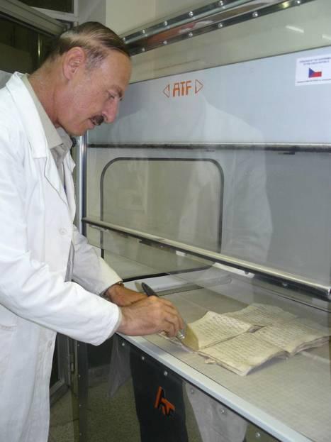 Face à l'Etat islamique, la Bibibliothèque nationale d'Irak numérise en masse | Clic France | Scoop.it