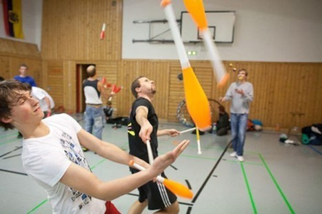 Combat Juggling Is a Real Sport and It's Awesome | Strange days indeed... | Scoop.it