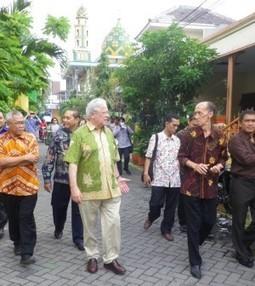 Indonesia renews commitment to sustainable urbanization – UN-Habitat | Indonesia - Development - Urban - Informality | Scoop.it