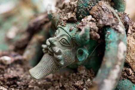 Découverte exceptionnelle en France d'une tombe princière celte de 2500 ans | TdF  |   Culture & Société | Scoop.it