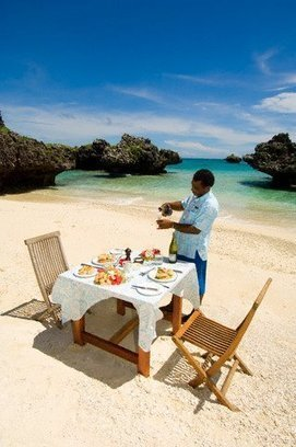 Enjoy LUNCH on a deserted island in Fiji | TAHITI Le Mag | Scoop.it