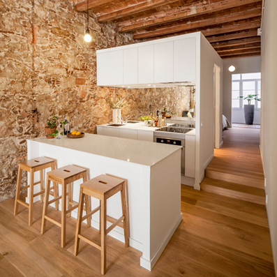 Sergi Pons uncovers stonework in renovated Barcelona apartment   tecnologia s sustentabilidade   Scoop.it
