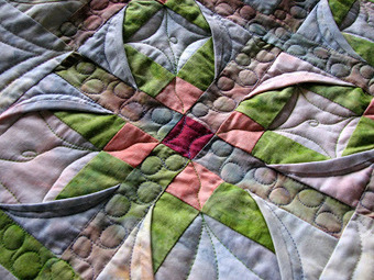 frantastic-stitch witchery: QUILTING CATHEDRAL WINDOWS | Crafting Quilting | Scoop.it
