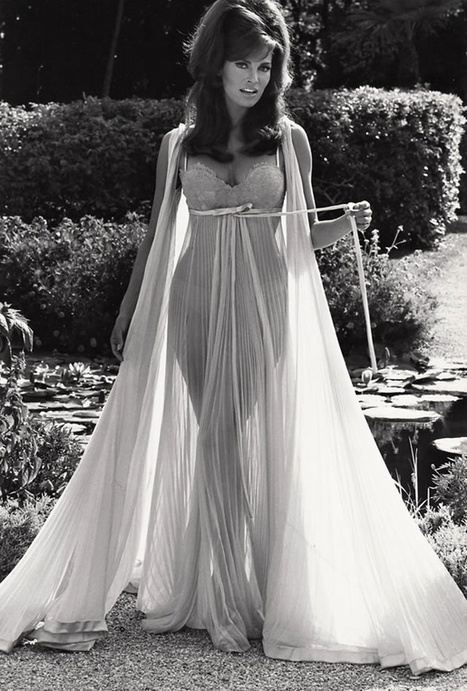 Raquel Welch in Dreamy Lingerie, 1968   Lingerie Love   Scoop.it
