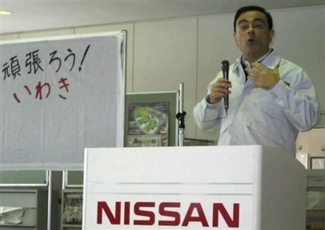[Photo] Carlos Ghosn, président de Renault-Nissan en visite dans le nord du Japon | Daylife-AP Photo | Japon : séisme, tsunami & conséquences | Scoop.it