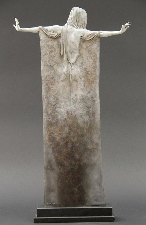 Beautifully Oxidized Bronze Sculptures of Elongated Women | Just Good Design | Scoop.it