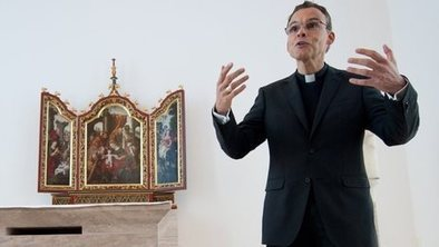 Vatican suspends 'bishop of bling' | The Atheism News Magazine | Scoop.it