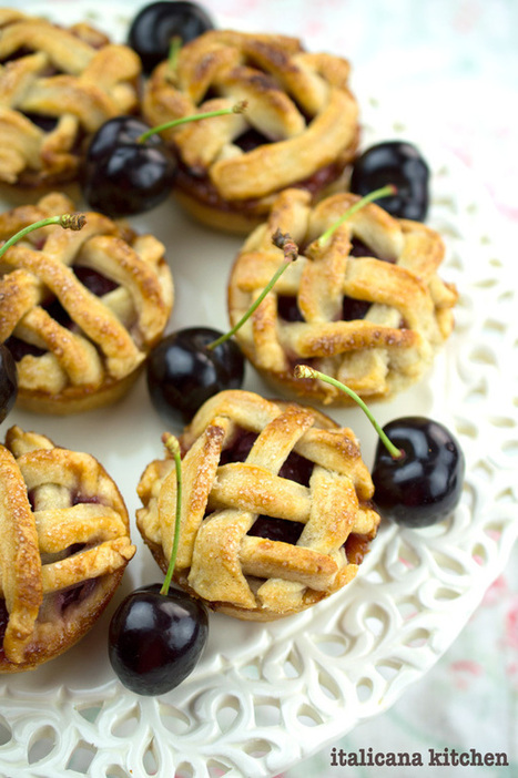 Mini Cherry Pies - italicana kitchen | The Man With The Golden Tongs Hands Are In The Oven | Scoop.it