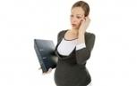 Avoir un bébé : un frein à la carrière pour une femme sur deux