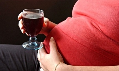 Giving birth and boozing? The risks of drinking during pregnancy - The Guardian | pregnancy tips | Scoop.it