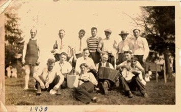 Old Vintage Antique Photograph Wonderful Group Photo Smoking Drinking Accordian | Antiques & Vintage Collectibles | Scoop.it